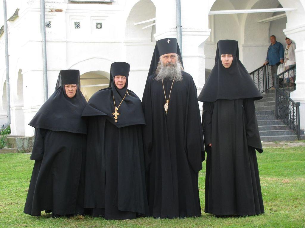Посещение монастыря архиепископом Феогностом