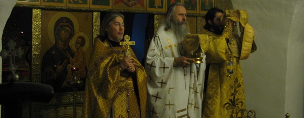 Председатель Синодального отдела по монастырям и монашеству архиепископ Феогност посетил нашу обитель